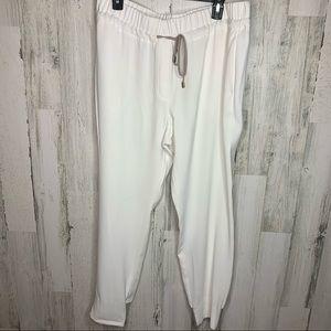 peserico pants white skinny leg Italian size 50